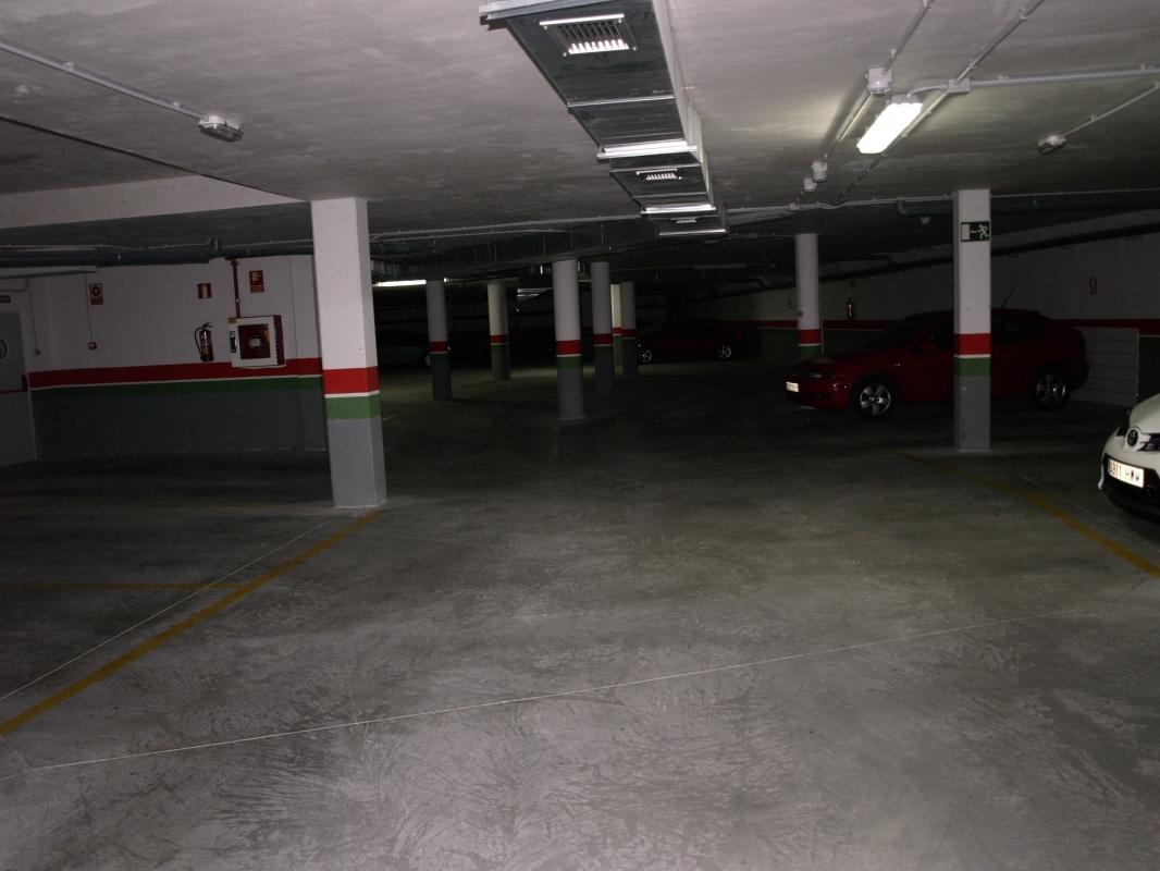 Venta plaza de garaje barrio de la universidad - Compro plaza de garaje ...